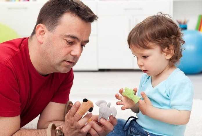 Trẻ chậm nói thường khó phát triển những từ ngữ mới